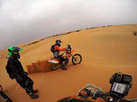 Merzouga Desierto: Riding KTM450 in the dunes of Merzouga (2)