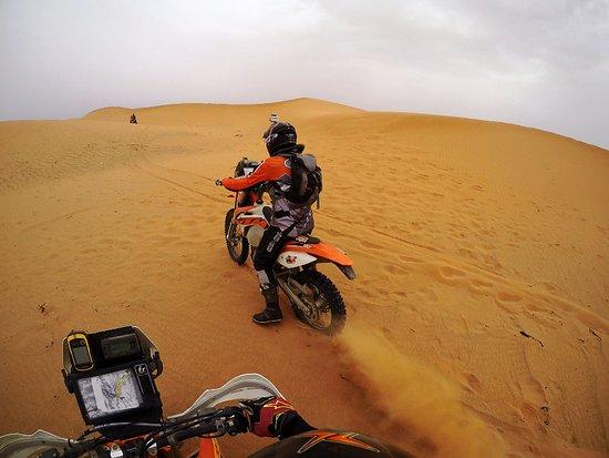 Merzouga Desierto: Riding KTM450 in the dunes of Merzouga (4)