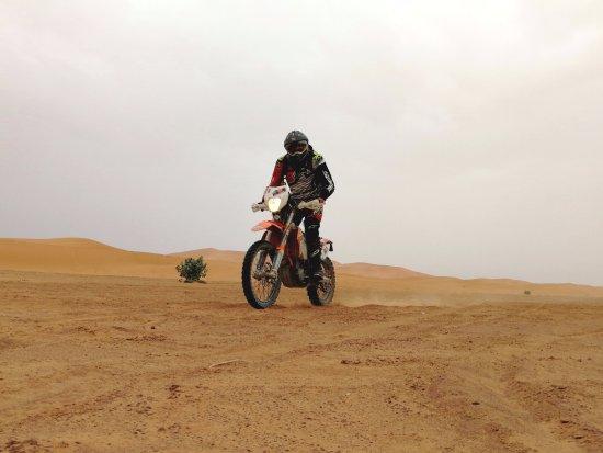 Merzouga Desierto: Riding KTM450 in the dunes of Merzouga (5)