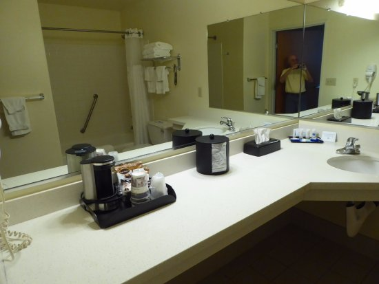 Chester, Kalifornia: Nice Counter Space in Bathroom