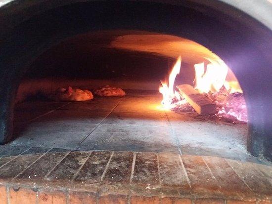 Ganshoren, Bélgica: Huum les pizzas queo