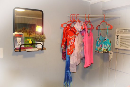 Aloha Surf Hostel: more of the dolphin room a place to hang your clothes :)