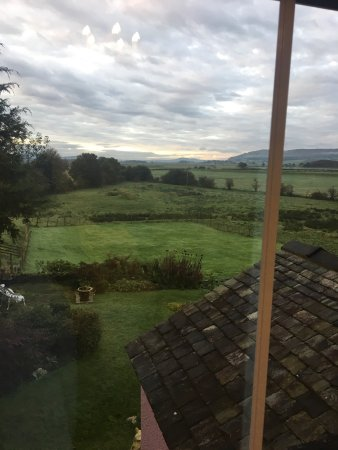 Brigsteer, UK: Beautiful room and a room view