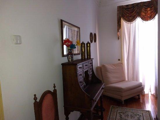 Arraiolos, Portugal: Área entre o quarto e o banheiro .
