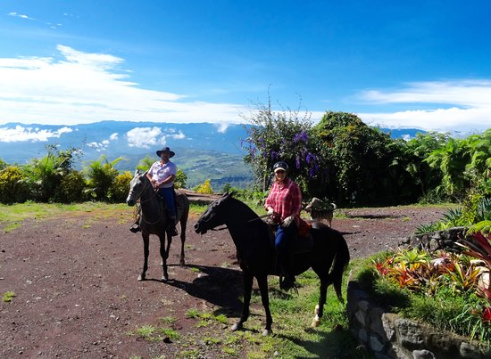 Turrialba, Costa Rica : Riding with Nelson from Guayabo lodge