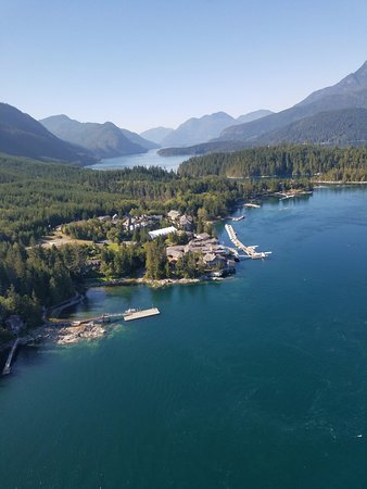 Sonora Island, Kanada: View from Helicopter approaching the Resort
