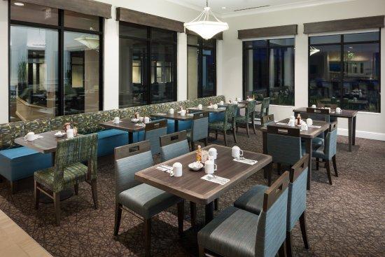 Hilton Garden Inn Tucson Airport: Restaurant Seating Area