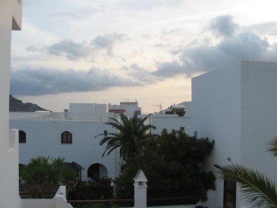 Hotel Alianthos Garden: Vue depuis chambre