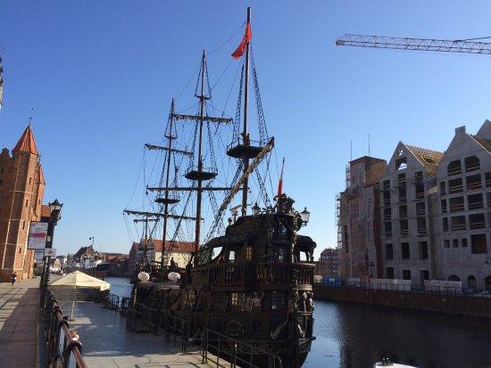 Danzica, Polonia: voilier qui emmène les voyageurs à wattersplate