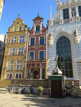 Danzica, Polonia: Cour d'Artus