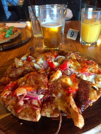 Wodonga, Australia: Meat Lovers pizza