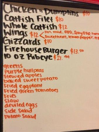 Arlington, TN: Slingshot Charlie's