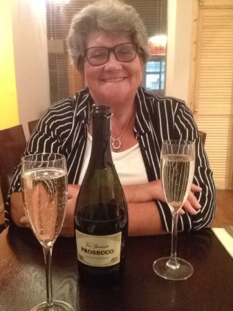 Pencoed, UK: Enjoying the prosecco