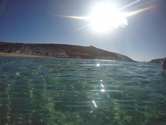 Adamas, Greece: Águas cristalinas.