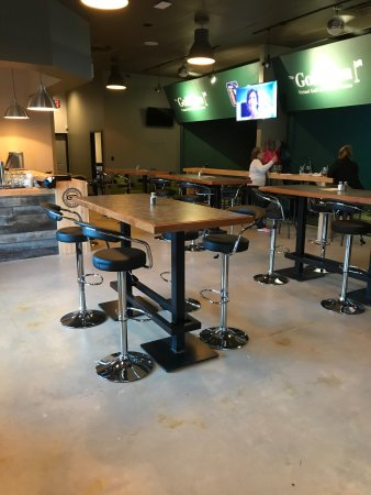 Sherwood Park, Kanada: Indoor Golf Lounge & Eatery