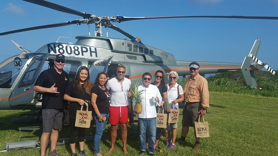 Kealakekua, Hawái: Come visit Kona Joe by Helicopter we have a perfect landing pad
