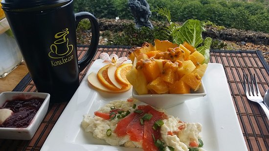 Kealakekua, Hawái: Enjoy your breakfast with best cup of coffee and sweeping ocean views