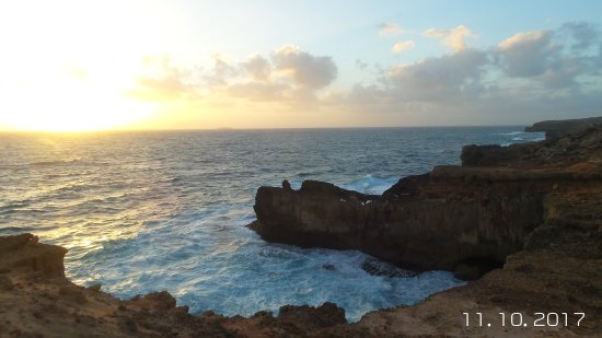 Whistling Rocks and the Blowholes