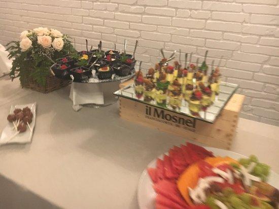 Buffet Di Dolci E Frutta : Buffet dolce frutta e dolcezze newsbartenders