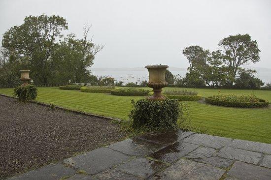 แบนทรี, ไอร์แลนด์: View of Bantry Bay in the rain from the house