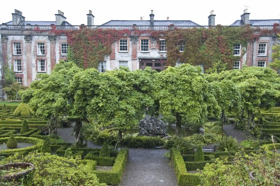 Bantry House & Garden: Bantry house with parterre garden and wisteria in the middle