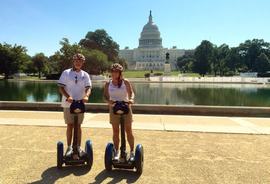 Bike and Roll DC: Photo-op at the Capitol