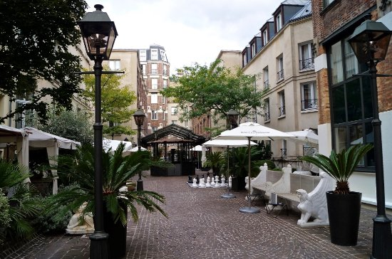 garden patio at les jardins du marais hotel picture of hotel les jardins du marais paris. Black Bedroom Furniture Sets. Home Design Ideas