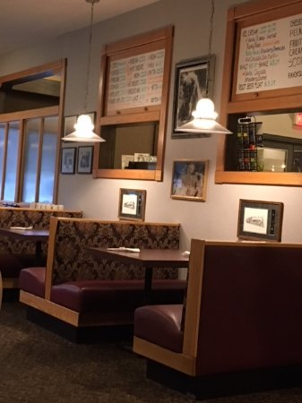 Golden Spike Restaurant : Booth Seating