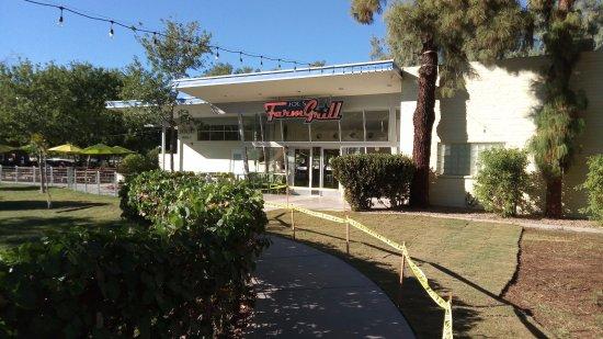 Gilbert, AZ: Joe's Farm Grill