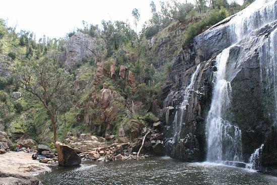Hamilton, Australia: McKenzie falls