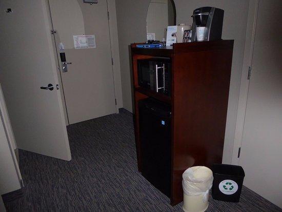 Arcata/Eureka Holiday Inn Express: Microwave and Regrigerator