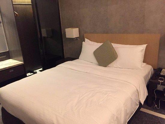 Gateway Hotel Hong Kong : 床也是比較舒適