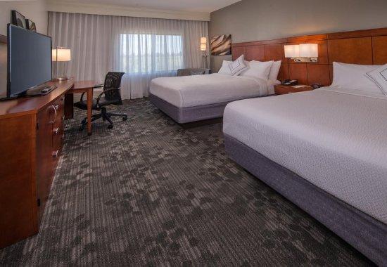 Dulles, VA: Queen/Queen Guest Room
