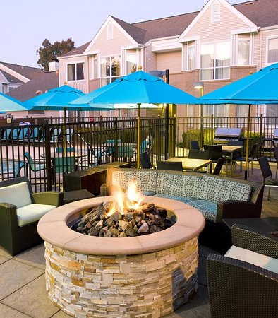 Pleasant Hill, CA: Outdoor Fire Pit