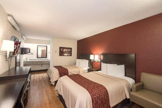 Arlington Heights, IL: Deluxe 2 Full Beds