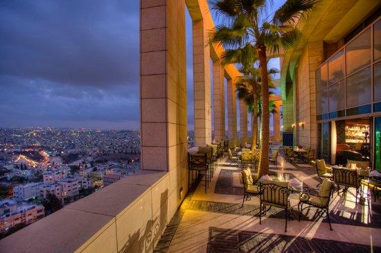 Le Royal Hotel Amman: Chesters Steak Cigar House