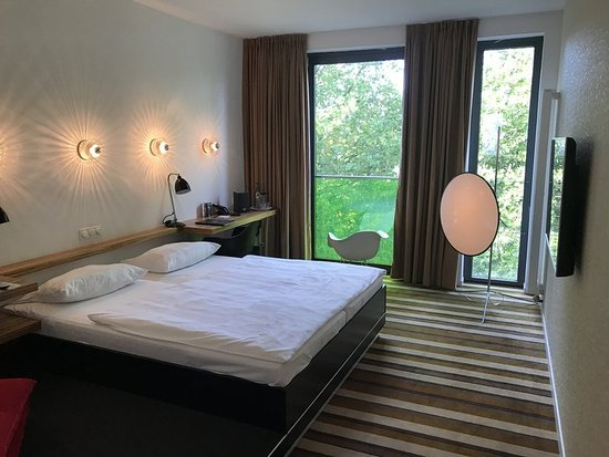 suite with river view picture of designhotel ueberfluss bremen tripadvisor. Black Bedroom Furniture Sets. Home Design Ideas