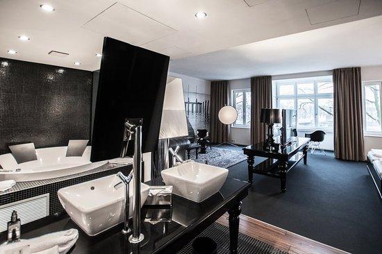 Suite With River View - Bild von Designhotel ÜberFluss, Bremen ...