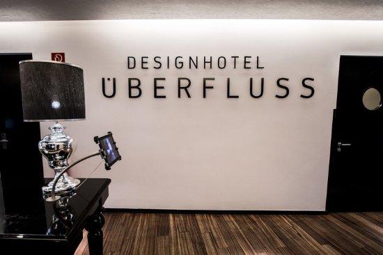 Lobby picture of designhotel ueberfluss bremen for Design hotel ueberfluss