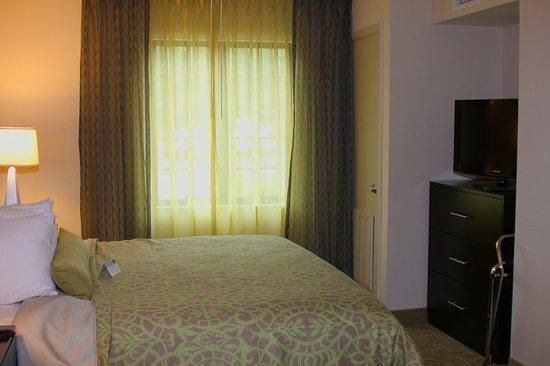 Liverpool, نيويورك: One Bed
