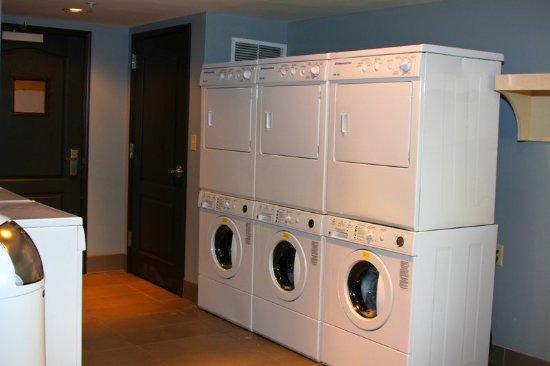 Liverpool, Estado de Nueva York: Laundry Room