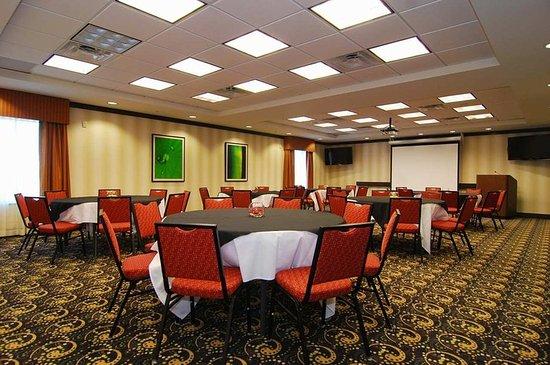 Hampton Inn & Suites Tulsa / Catoosa: Cherokee Room