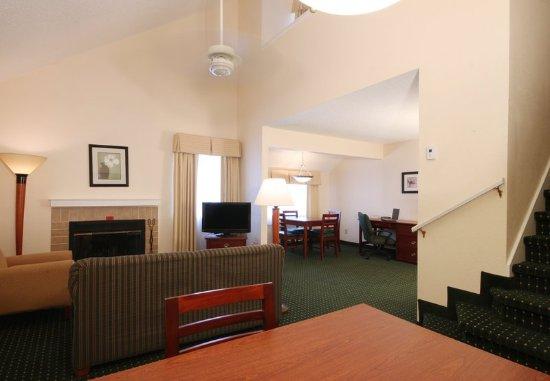 ทินตันฟอลส์, นิวเจอร์ซีย์: One-Bedroom Penthouse Suite