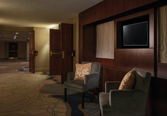Toronto Marriott Bloor Yorkville Hotel: Meeting Space Foyer
