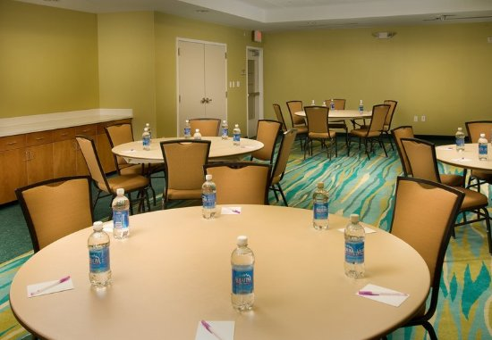 SpringHill Suites Alexandria: Alexandria Conference Room