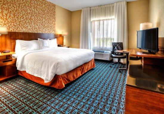 Yukon, OK: King Guest Room