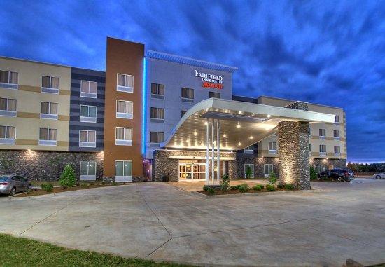 Yukon, OK: Entrance