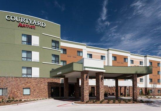 Shenandoah, TX: Entrance