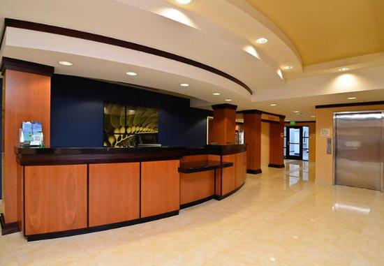 Capitola, كاليفورنيا: Front Desk
