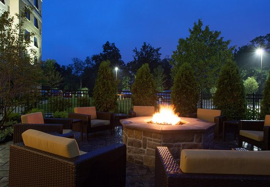 Cranberry Township, Pensilvania: Outdoor Fire Pit